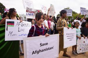 Women protesting in Kabul