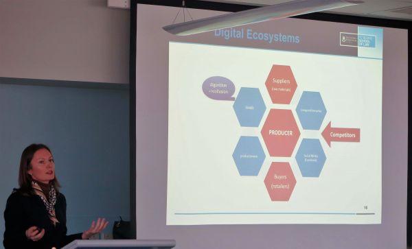 Barbora Jedlickova presenting at CLEN Dicussion group