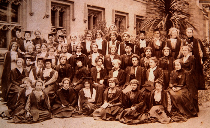 Women Students 1902